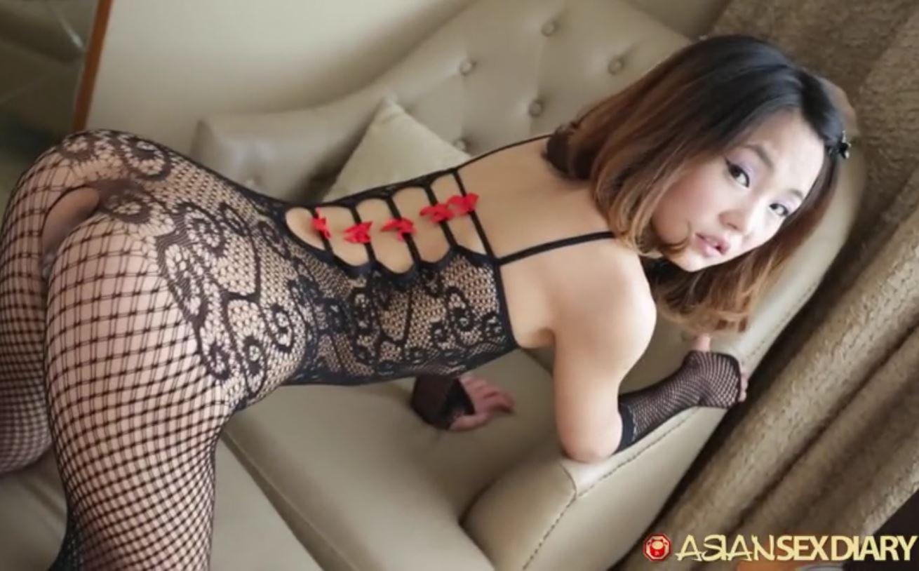 Virgin girl rubbing pussy
