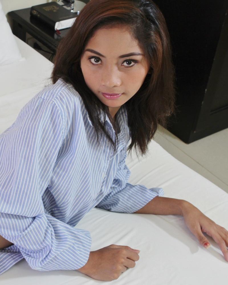 filipina 18 Ella